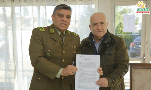 Alcalde Viñambres Firma Convenio Con Carabineros para Implementar Programa de Protección Infanto Adolescente