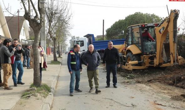 Municipio de Quilpué Toma Posesión de los Terrenos En la Calle las Palmas y Se Prepara para Obras de Pavimentación