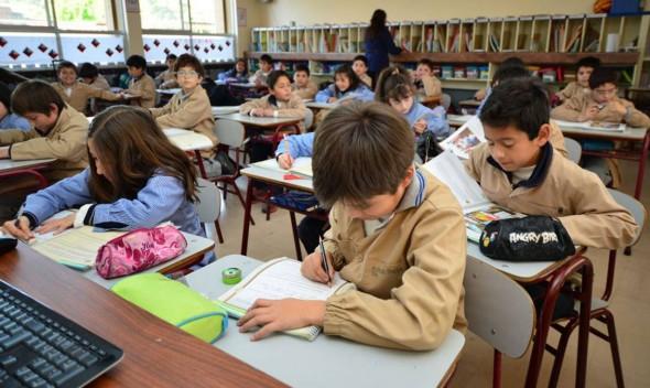 Suspenden clases en establecimientos educacionales municipalizados por prevención de COVID-19