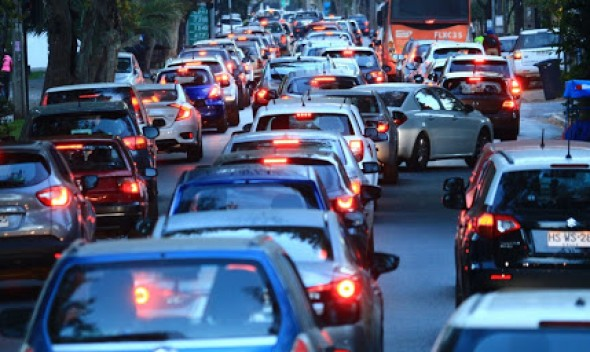 Alcalde Mauricio Viñambres llamó a parlamentarios y Gobierno a  aprobar postergación del pago de permisos de circulación