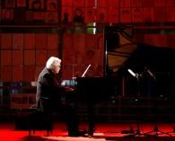 """Quilpué celebra sus 122 años con concierto """"en línea"""" del pianista Roberto Bravo"""